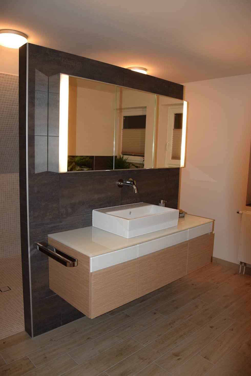 Badumbau: minimalistische Badezimmer von Architekturbüro Heike Krampitz