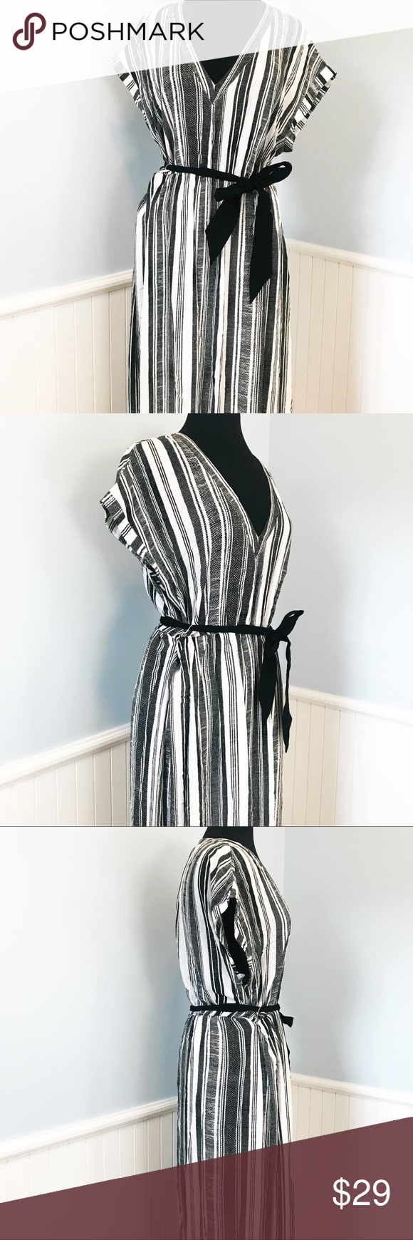 H M Black White Vertical Stripe Maxi Dress Striped Maxi Dresses Maxi Dress Vertical Stripe [ 1740 x 580 Pixel ]