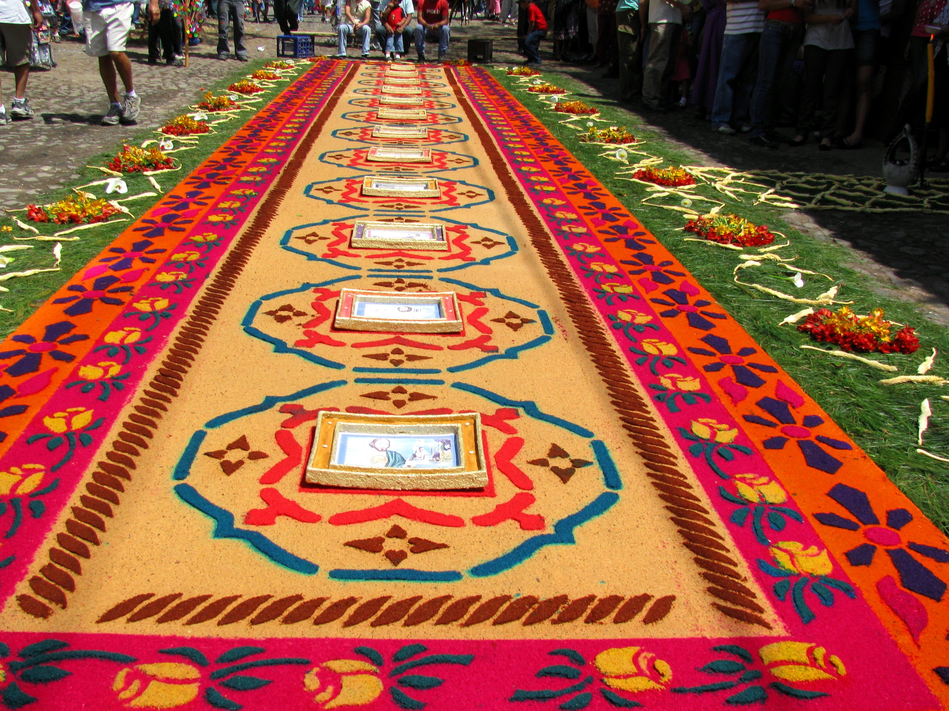 alfombras de aserrin semana santa guatemala mesoamerica