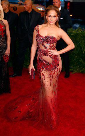 J Lo and Kim Kardashian Lose Most Naked Award To Beyonce