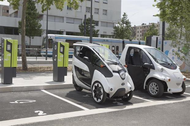 Grenoble : 140 bornes de recharge électrique d'ici 2016