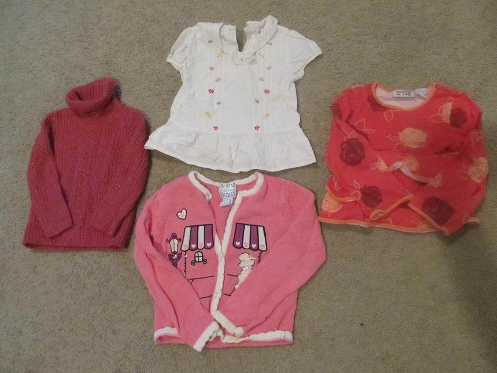LOT 38 - GIRLS LOT OF 4 ITEMS SHIRTS AND TOPS SIZE 3,4,5T