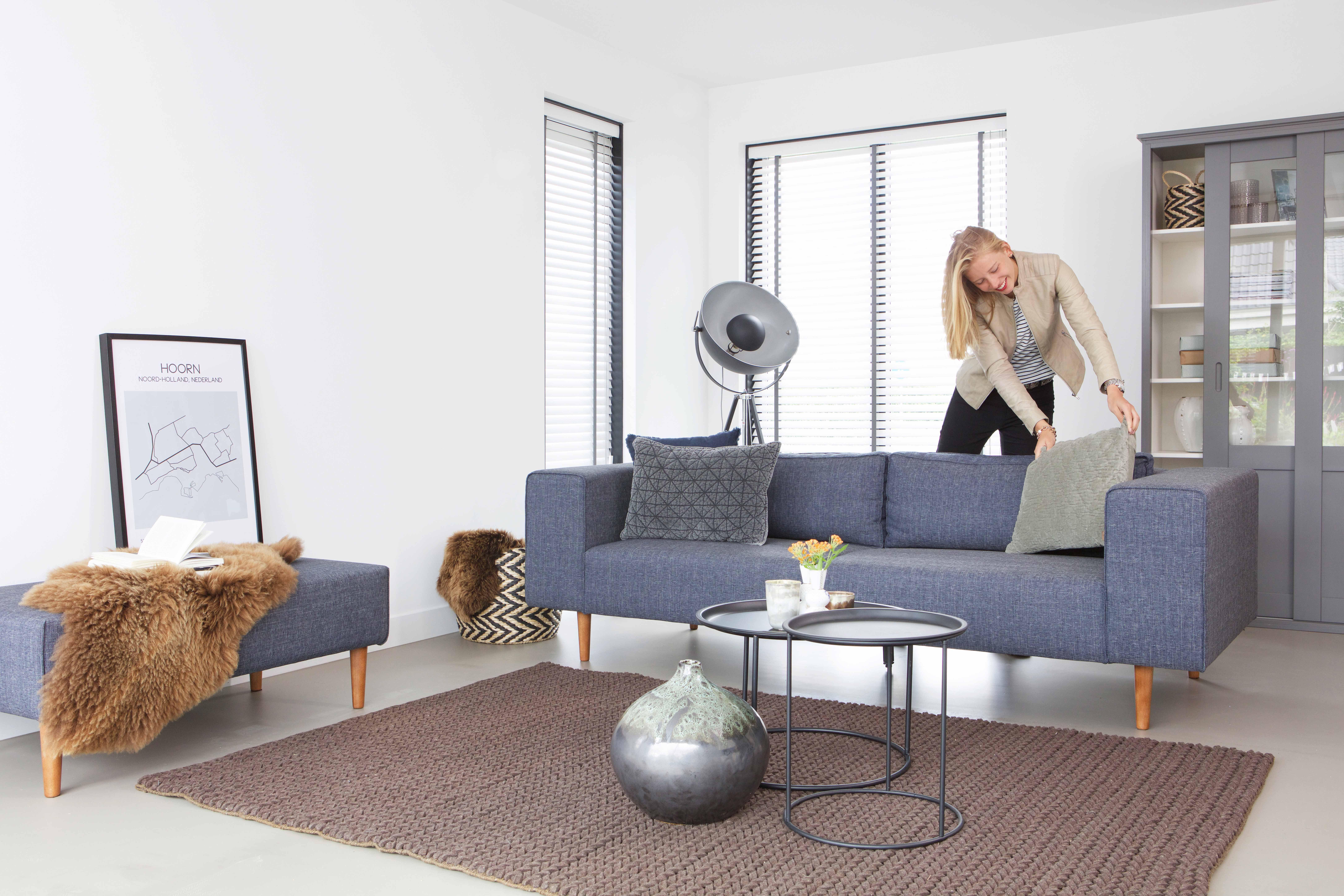 bank sofa bjork u hocker by woood woood bank sofa hocker with couch mit hocker with woood. Black Bedroom Furniture Sets. Home Design Ideas