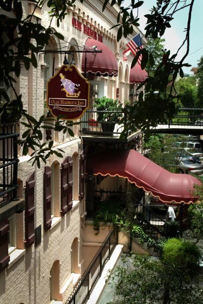 Olde Harbour Inn Pet Policy Pet Friendly Hotels Pet Travel Dog Friends
