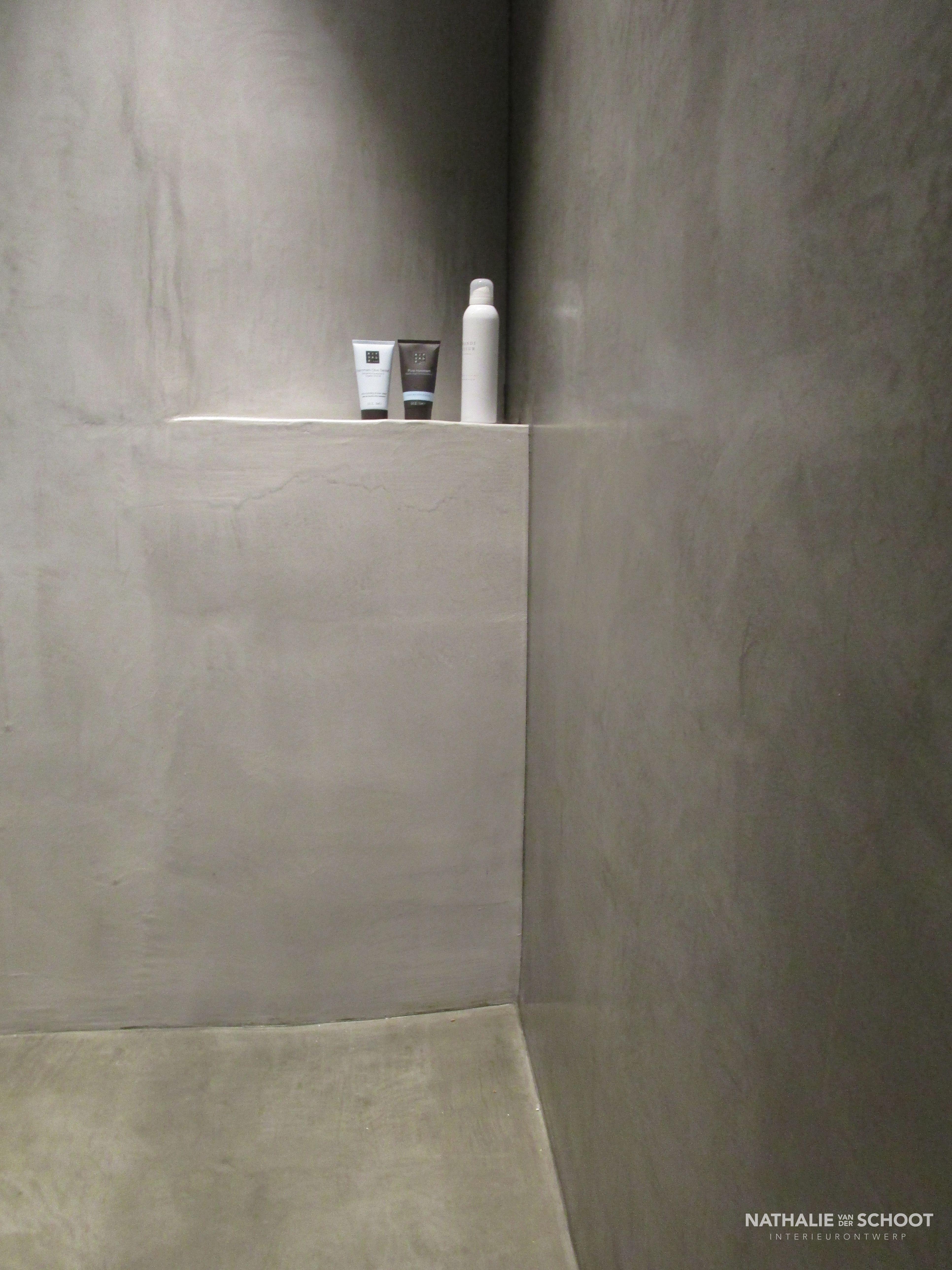 Badkamer in verbau betonstuc kleur 01 128 betonstuc waterdicht naadloos betoncire beal - Badkamer kleur ...