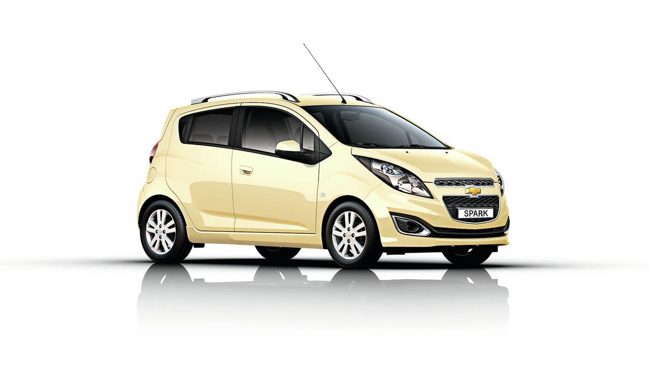 Noviteti Chevroleta Za Salon Automobila U Parizu Chevrolet Spark Car Chevrolet Volt