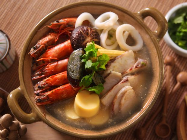 Seafood with cilantro and thousand year old egg soup recipe http food forumfinder Images