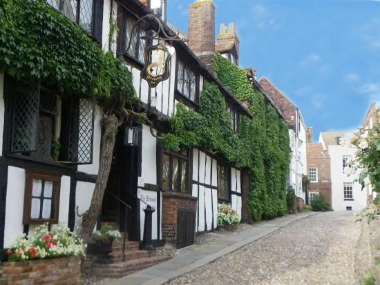 The Mermaid Inn Rye England In East Sus An Historic And Fascinating Place To Visit Great Antiques Area Food Restaurants