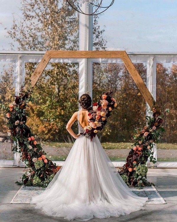 20 Modern Geometric Wedding Backdrop Ideas | Wedding arbor ...