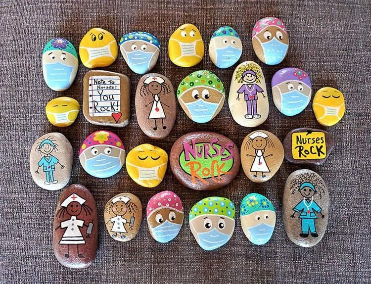 People All Over Are Painting Nurse And Doctor Rocks To Give To Medical Professionals As A Thank You And They Are Too Cute In 2020 Rock Crafts Painted Rocks Rock Painting Designs