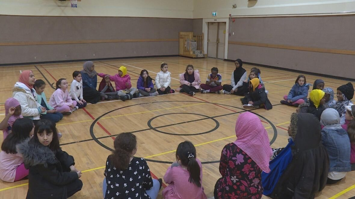 Muslim Girls Club Opens In Calgary About Islam In 2020 Muslim Girls Girls Club Youth Club