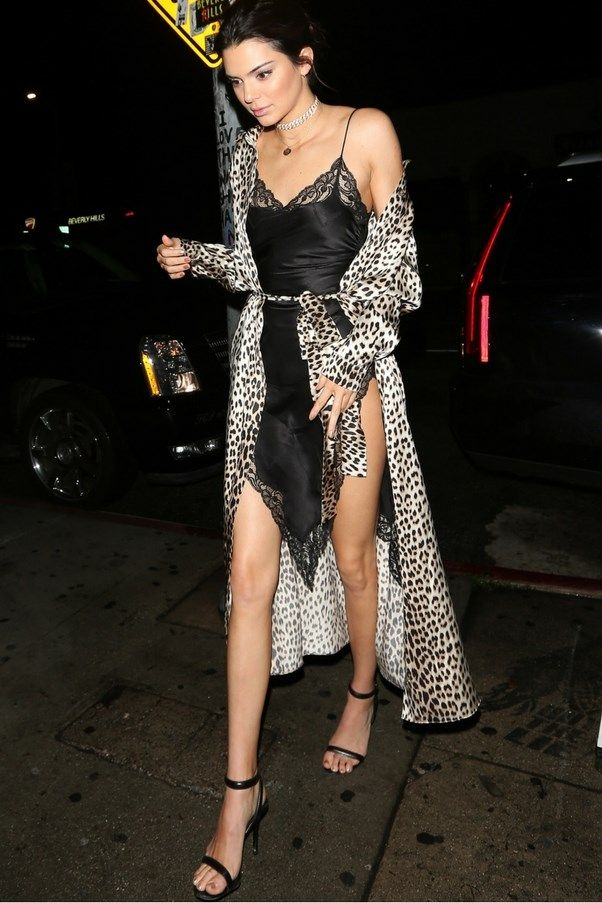What Kendall Jenner Bella Hadid And Hailey Baldwin Wore To New Year S Eve Kendall Jenner Street Style Kendall Jenner Style Jenner Outfits
