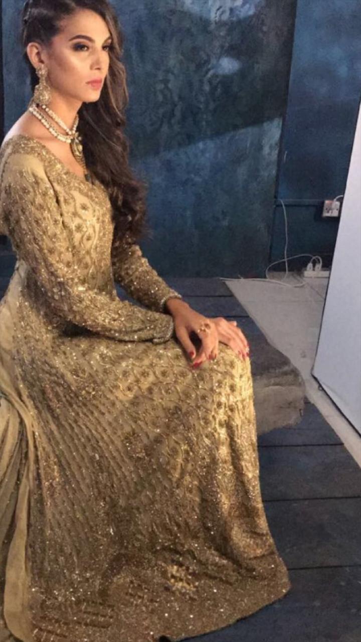 707351a36c75 Pakistani Bridal Dress - Pakistani Bride Pose for Bridal Photo shoot  #weddingwear #pakistaniweddingdress #pakistanidress #pakistanistyle  #pakistanistylelook ...