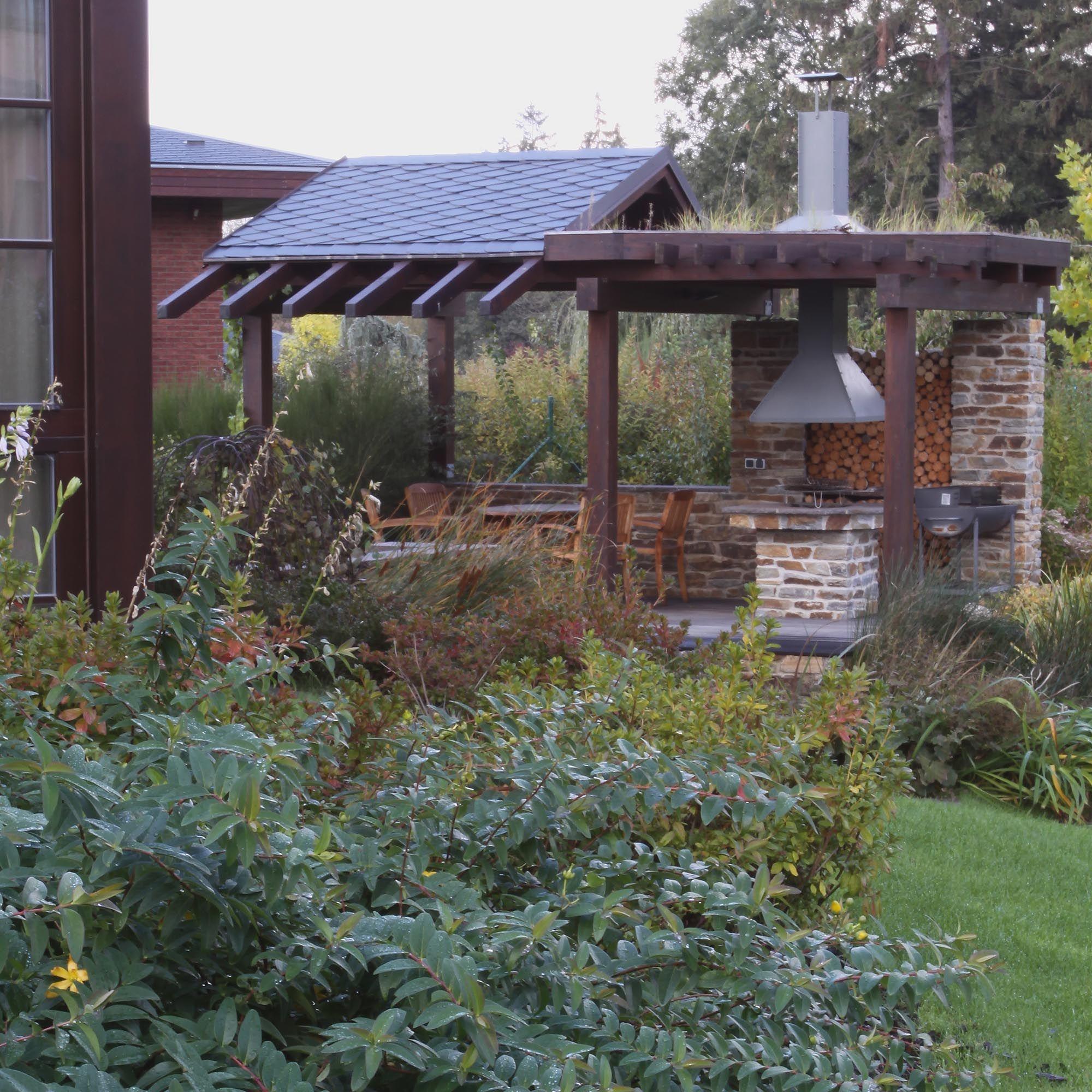Zahradní Posezení S Krbem / Garden Seating Area With Fireplace