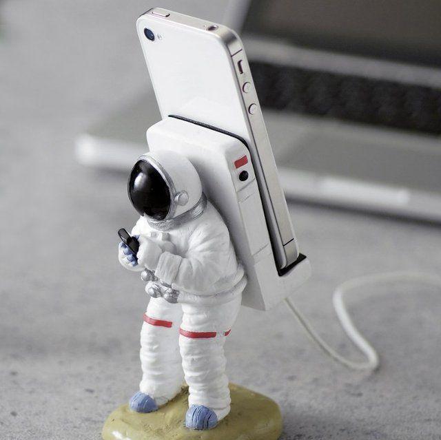 Astronaut Smartphone Stand #Cool, #Cute, #Fun, #Smartphone, #Stand