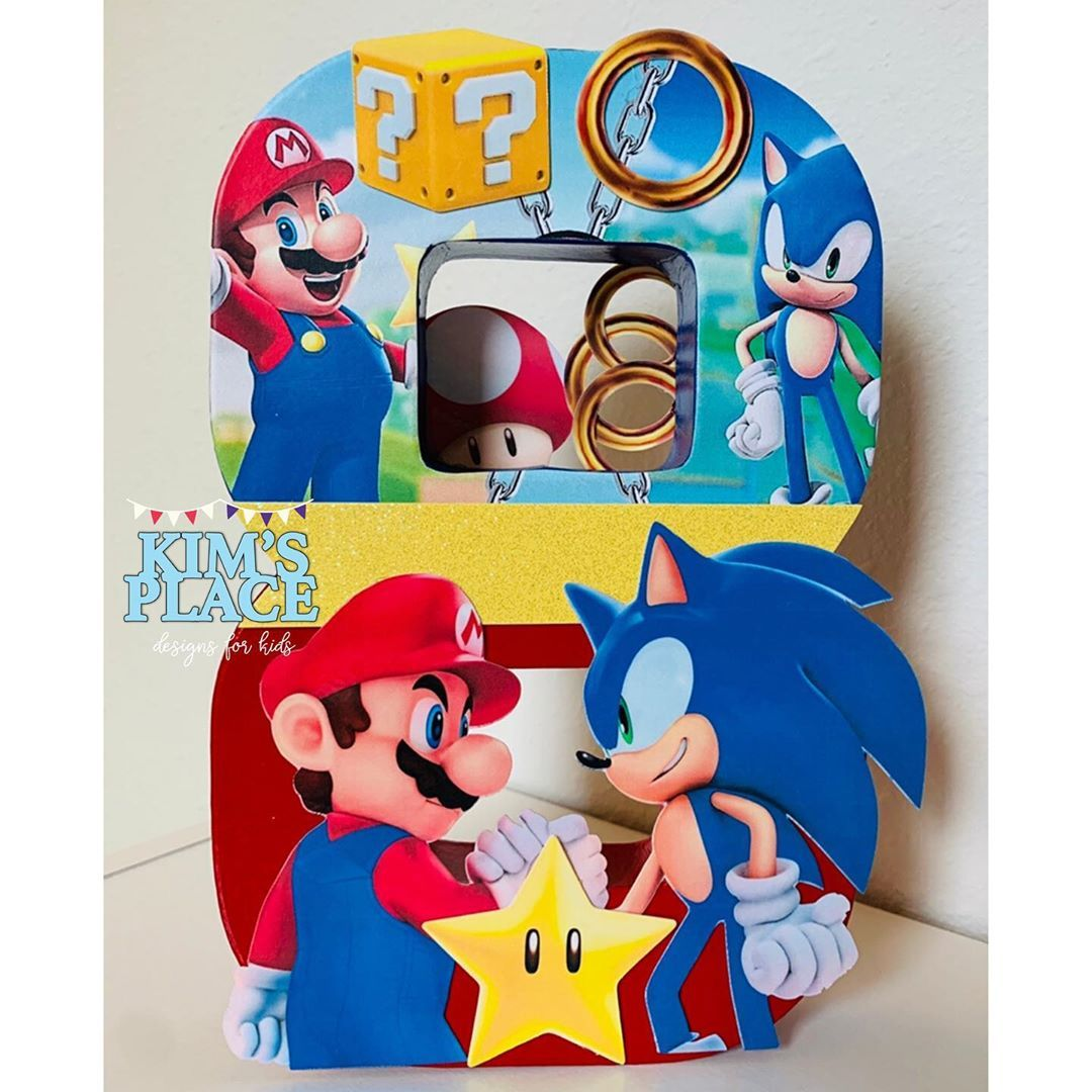 Center piece Hedgehog birthday, Sonic birthday, Birthday