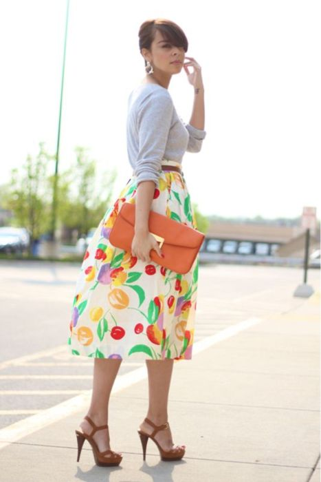 not sure if i like the pattern of the skirt but I love the colors and shape of the outfit!