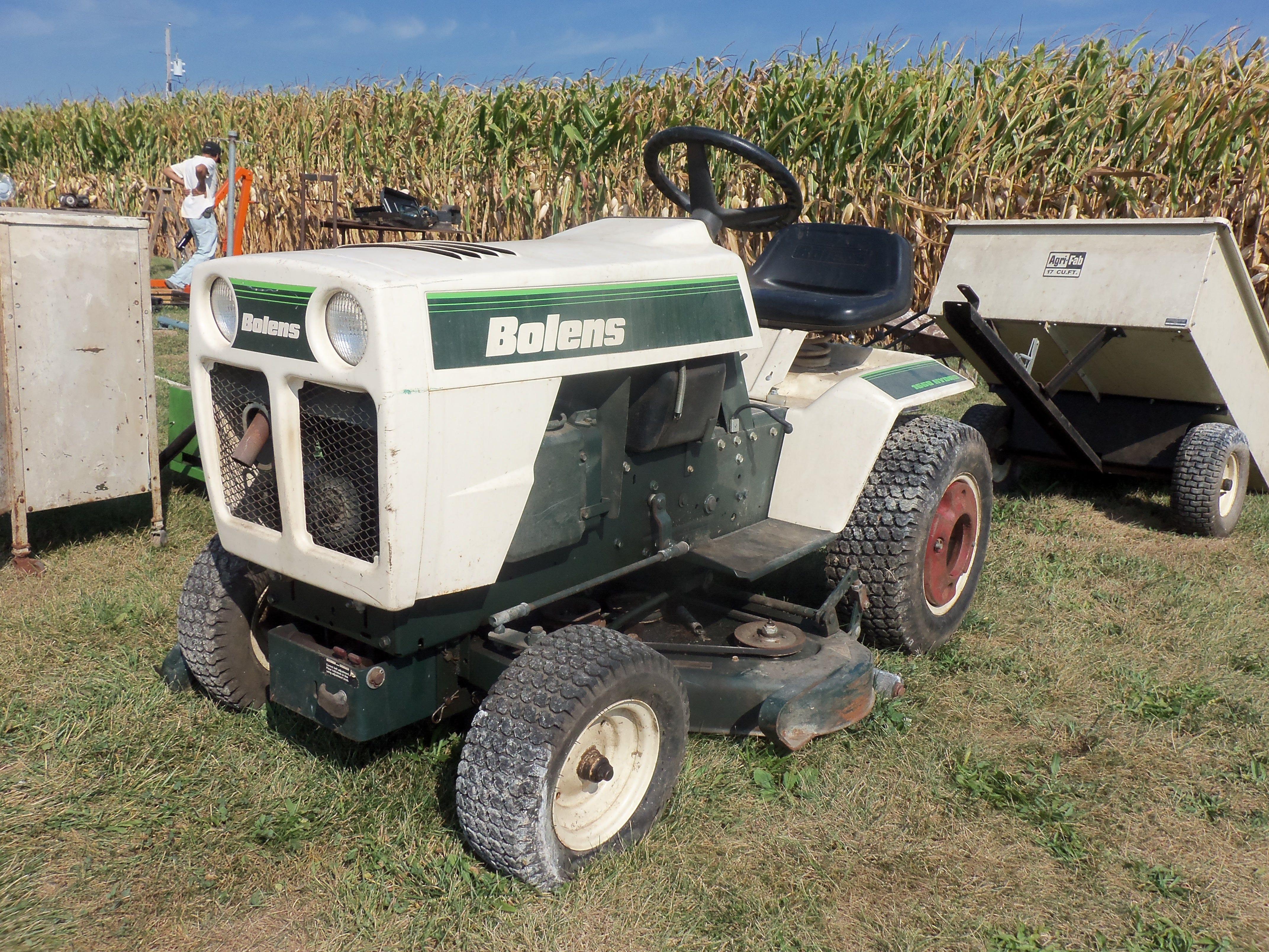 Bolens 1668 Hydro lawn & garden tractor | Farm Equipment