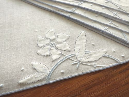 DAINTY-GRACEFUL-Set-8-Hand-Embroidered-Linen-Cocktail-Napkins-FLOWERS-BUTTERFLY