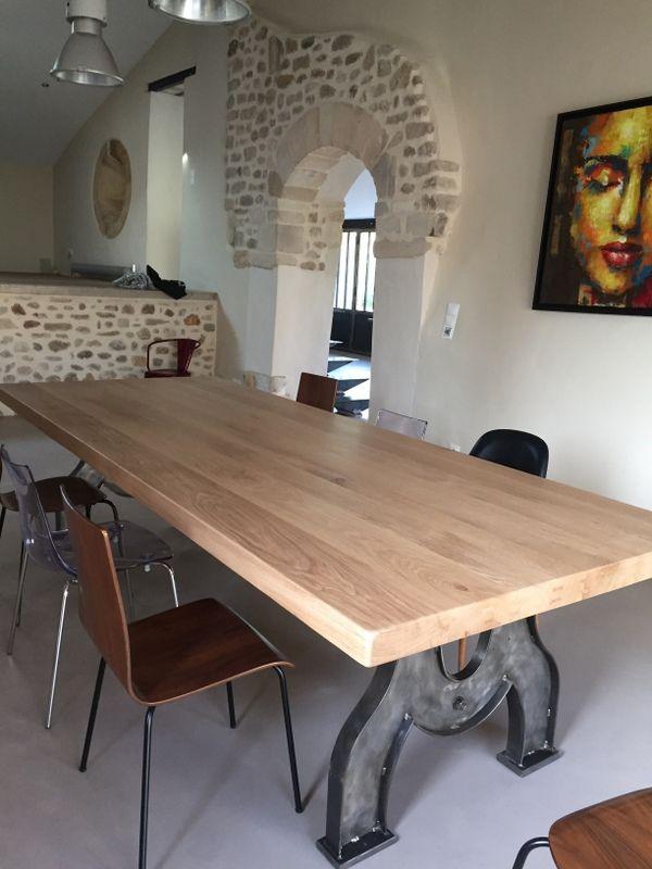 Grande Table Industrielle Pieds Arques En Fer Mobilier Industriel En 2020 Meuble Mobilier De Salon Table Industrielle