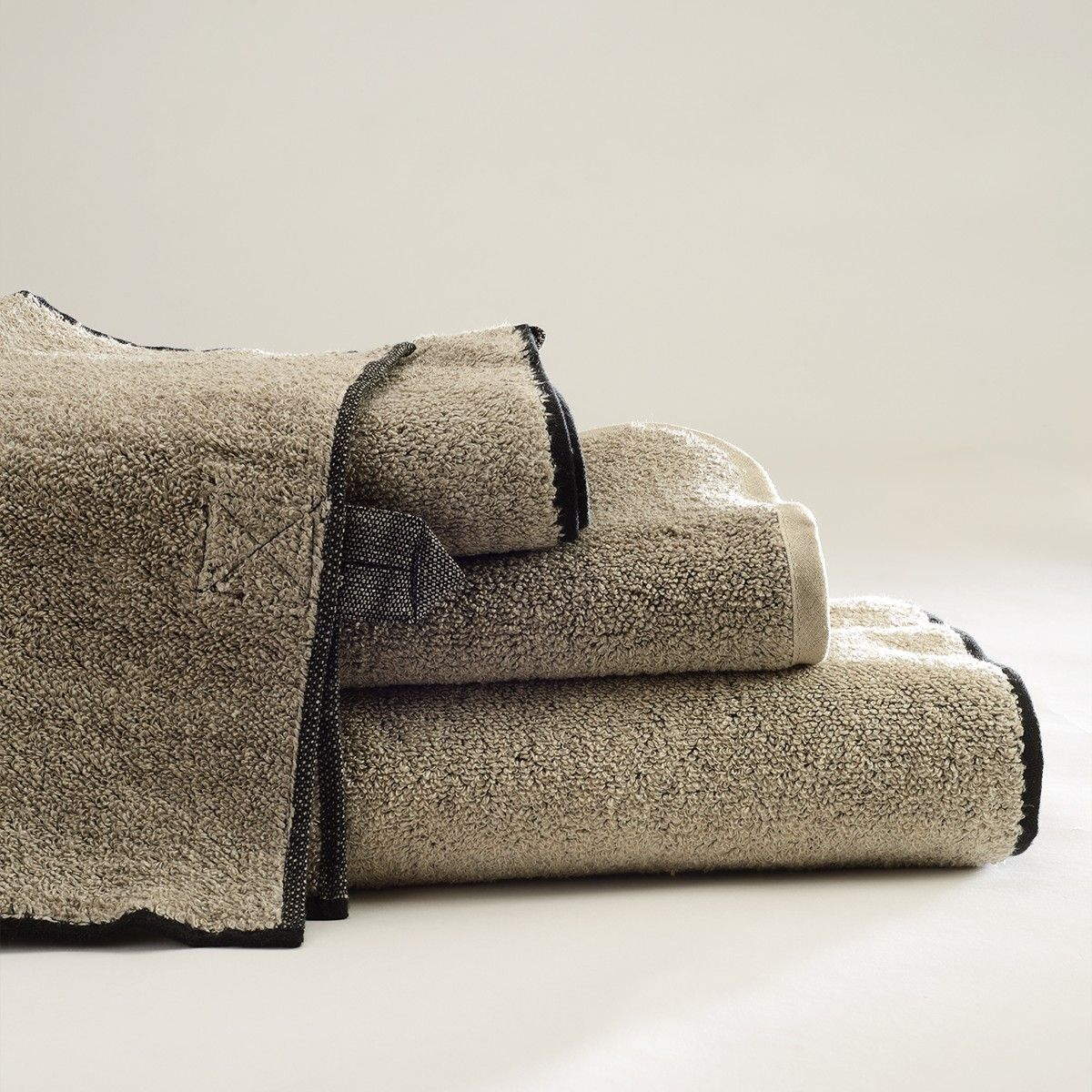 ANICHINI | Vilnius Solid Linen Terry Towels - The Ultimate, Eco-Friendly Towel