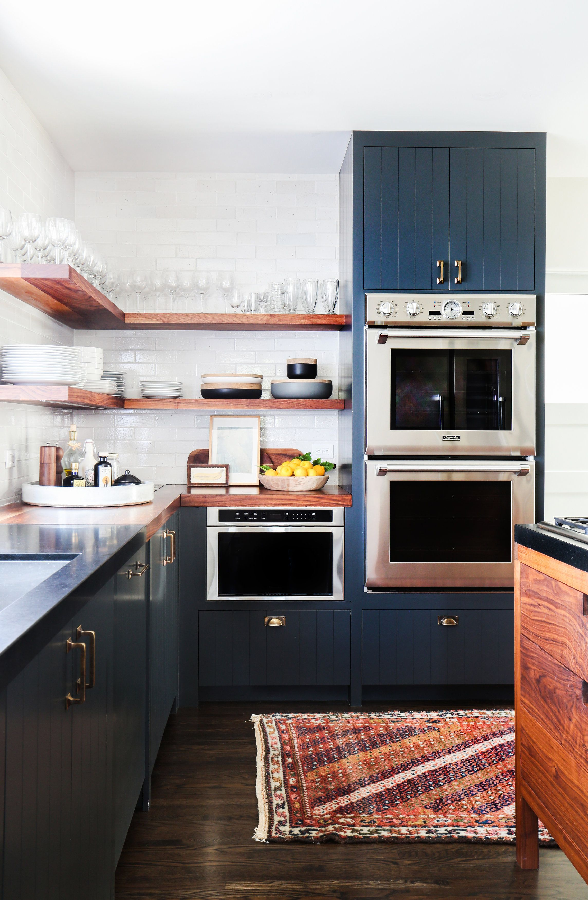A Director S Old Hollywood Home Features A Perfectly Modern Design Hunker Kitchen Design Kitchen Inspirations Kitchen Remodel
