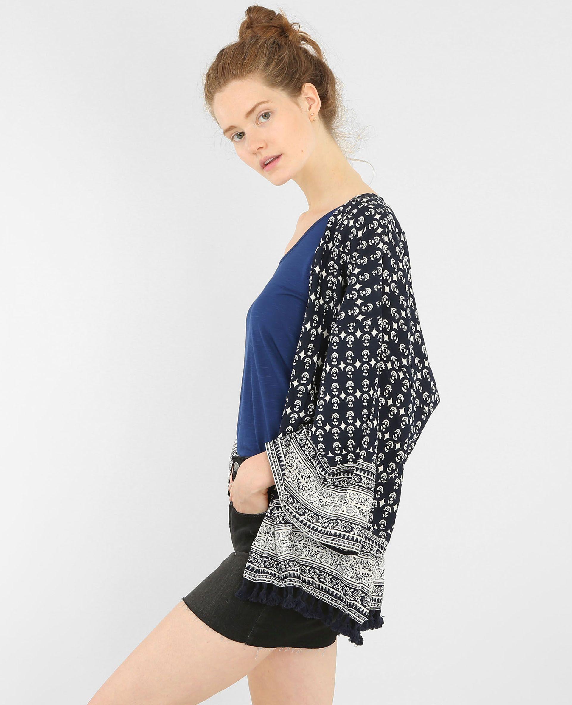 Pimkie  Veste kimono imprimée bleu marine - Collection Automne Hiver 2016 -  Imprimé bandana et pompons pour le kimono bohême, ultra féminin. 66c327eacd0f