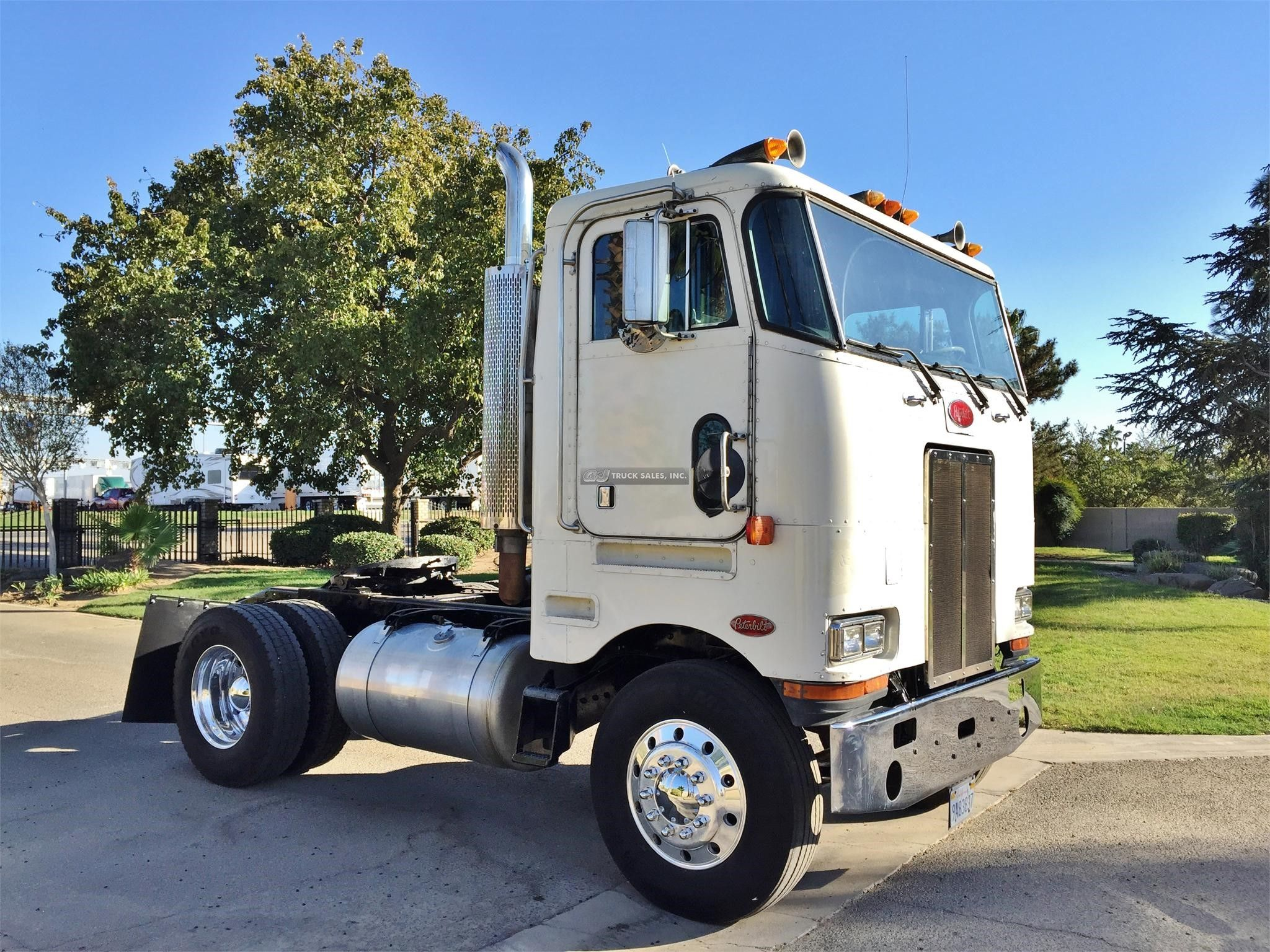 Peterbilt 362 was for sale at g j truck sales madera ca