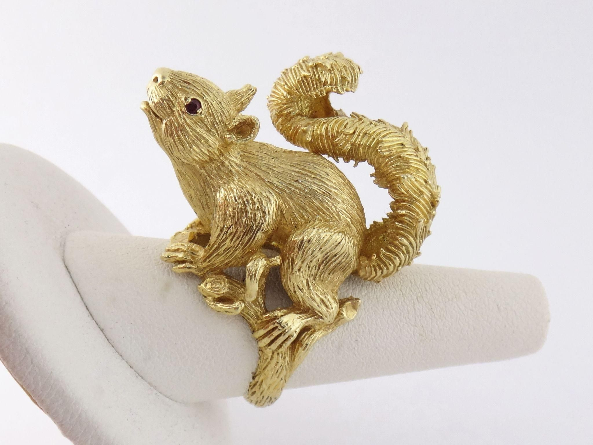 Vintage Estate Kurt Wayne 18K Yellow Gold Squirrel Ring, c. 1969
