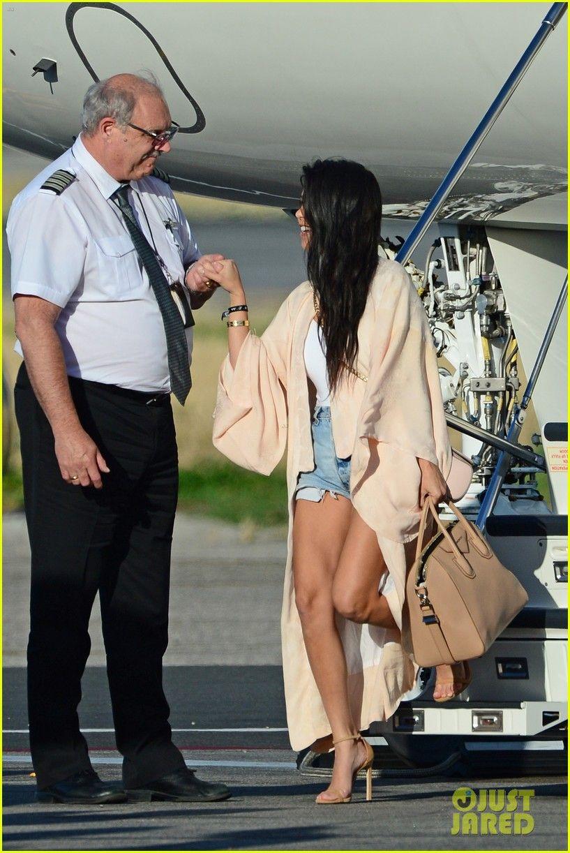 Kim Kardashian Sticks with Her Diet, Avoids Tempting Chicken & Waffles!