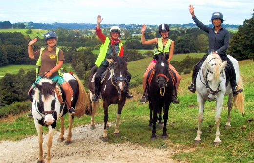 Enjoy lots of school holiday fun for all the family with Horse Riding Warkworth #schoolholidays #schoolholidayfun #linku2schoolholidays #aucklandschoolholidays #newzealandschoolholidays #nzschoolholidays #auckland #newzealandthingstodo #nzschoolholidays #whatson #kids #holidays #kidfriendly #activekids #holidayactivity #holidayfun #christmasholidays #summerfun #aucklandsummerfun #schoolholidaysummerfun #horseriding #horses #aucklandhorseriding #horseridingfun #aucklandhorseriding