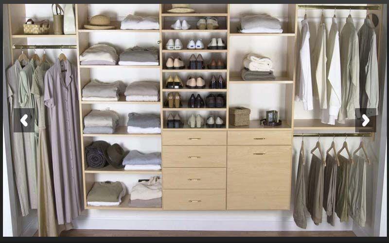 As mulheres sonham com um grande closet planejado, para manter a roupa, sapatos e acessórios bem organizados e guardados, um closet que ajude na escolha da