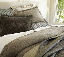 Textured Bedding, Layered Bedding & Rustic Luxe Bedding | Pottery Barn