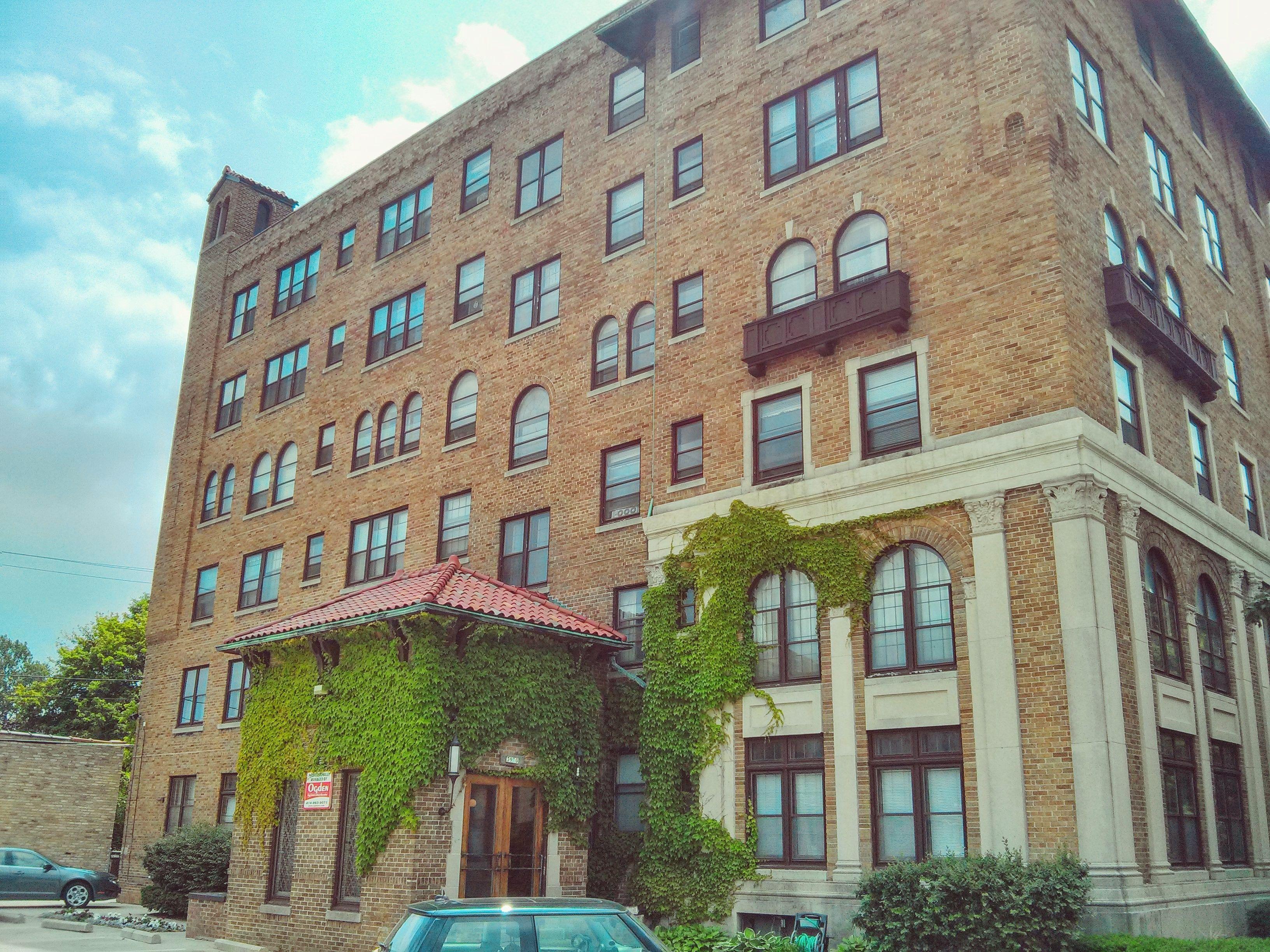 OgdenRent Apartments 1 to 1 bedrooms Milwaukee 1