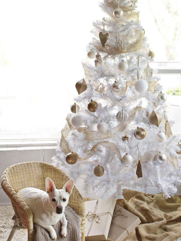 Estilos De Tematicas De Arboles De Navidad Blancos Para Decorar Arbolesdenavidadblan Pinos De Navidad Arboles De Navidad Decorados Arboles De Navidad Blancos