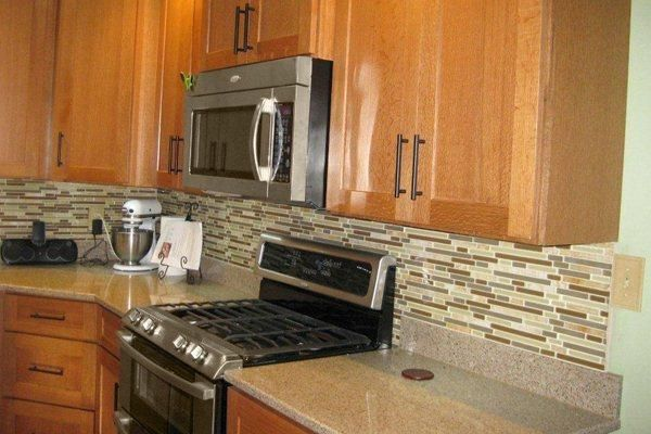 backsplash ideas for honey oak cabinets | Kitchen : Kitchen ...