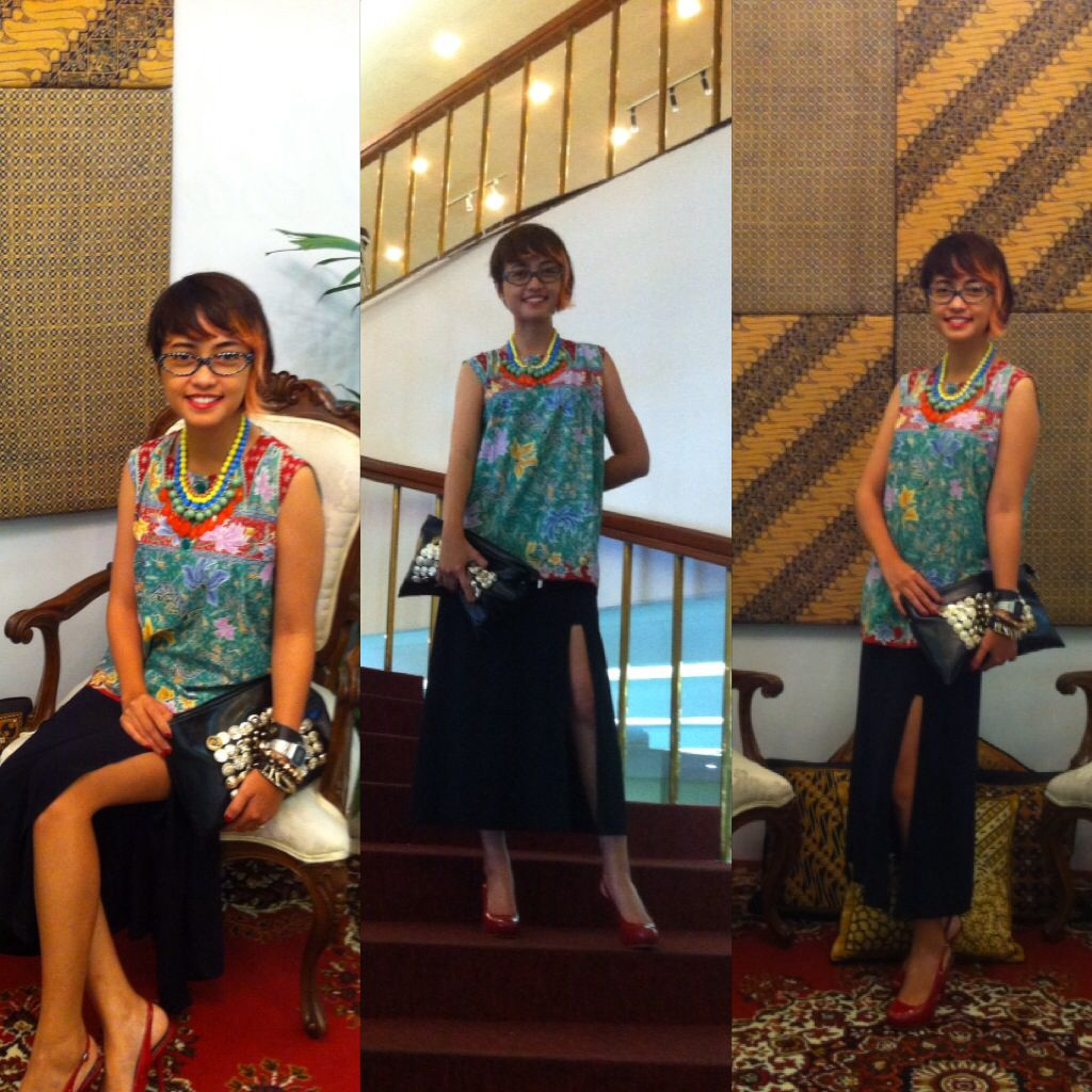 Batik vs slit skirt  Add clutch and heels :D #Stylieandfoodie