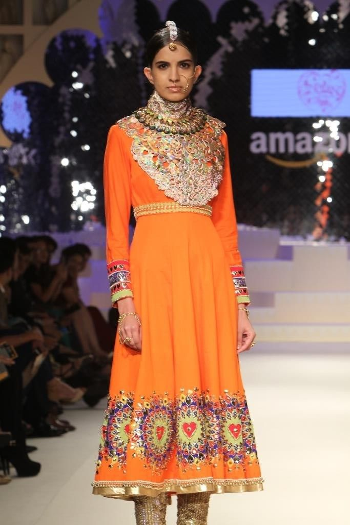 Crafts-of-india-grand-finale-amazon-india-fashion-week