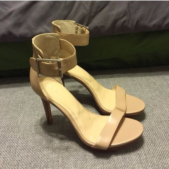37a45cf7ddb6 Calvin Klein Vivian Nude heels Brand new! These are gorgeous!! 4.25