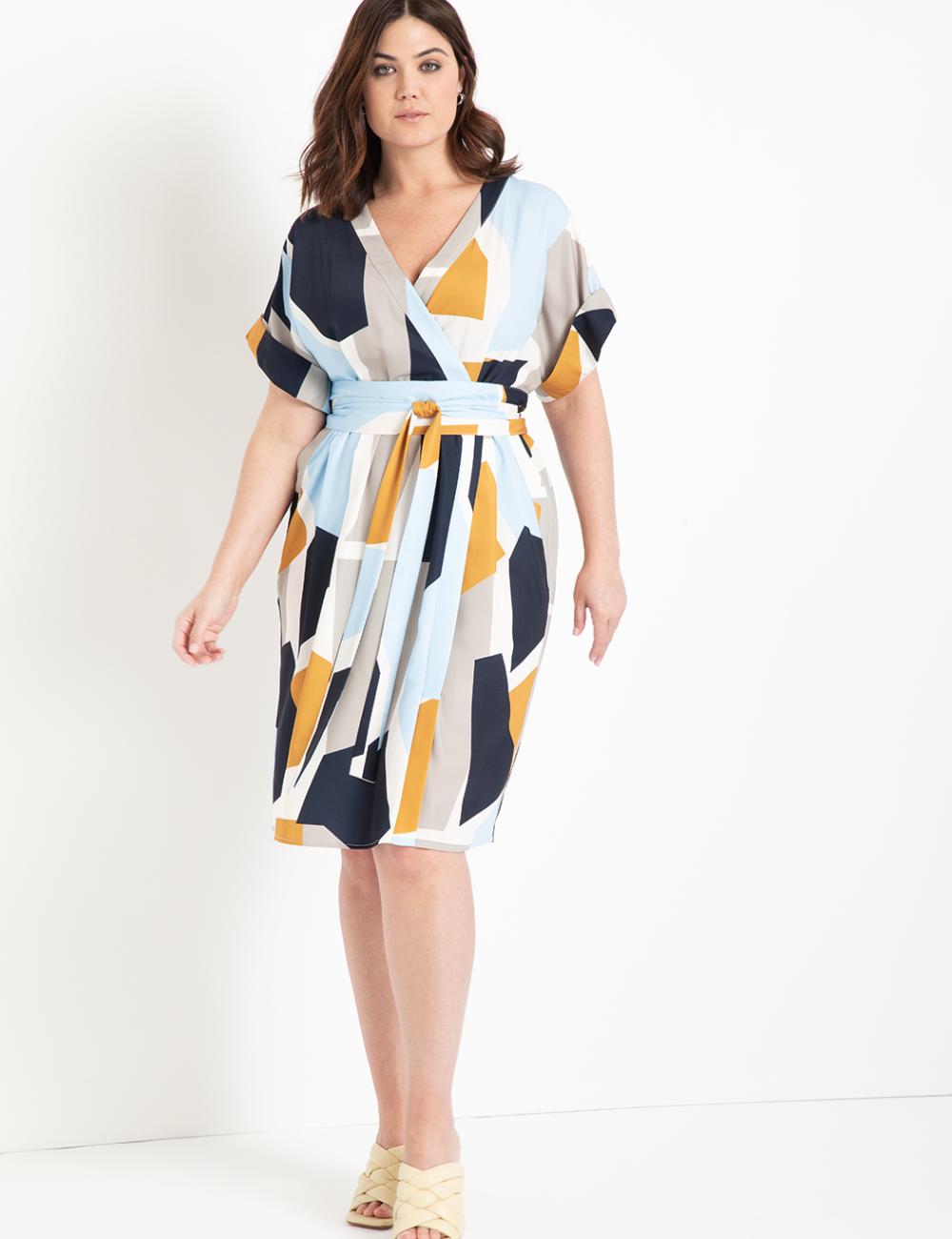 Easy Wrap Dress With Tie Detail Women S Plus Size Dresses Eloquii Plus Size Dresses Wrap Dress Plus Size Outfits [ 1300 x 1000 Pixel ]