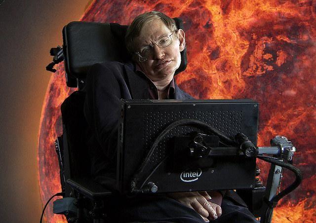 Es un genio, el mayor referente científico de la actualidad y no se muerde la lengua al hablar sobre todo tipo de temas. Stephen Hawking es un hombre que vale la pena escuchar.Recientemente, el físico británico habló sobre Donald Trump, a quien calificó como demagogo cuya popularidad es inexplicable, ade