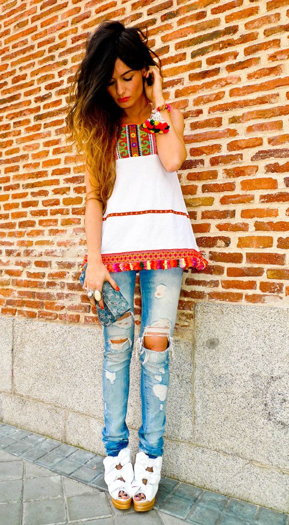 Tribal print and bow details