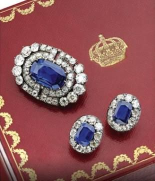 A sapphire and diamond demi-parure from circa 1900, inherited from Grand Duchess Maria Pavlovna by her daughter Princess Elena of Greece and Denmark, Grand Duchess of Russia (1882-1957)
