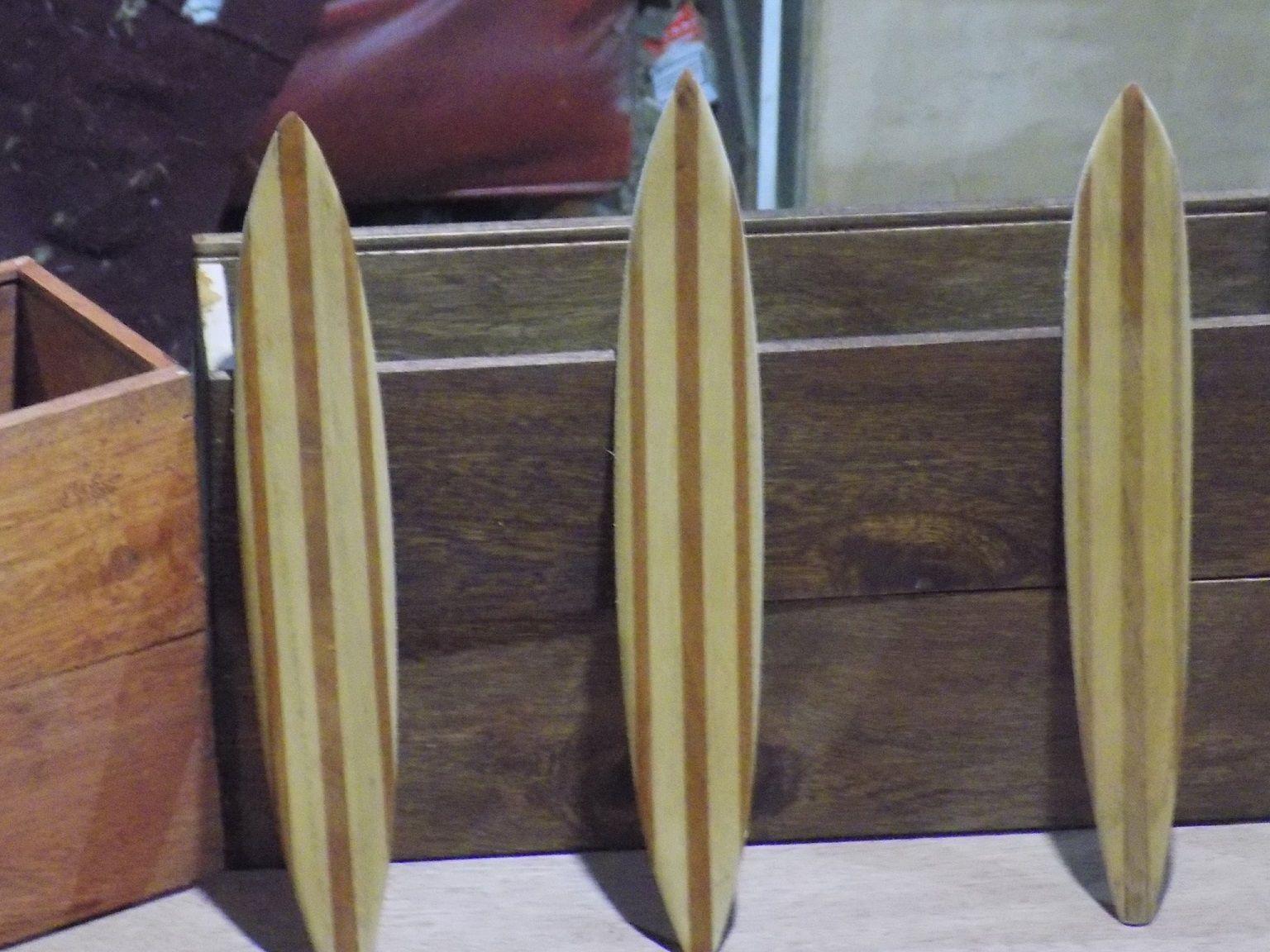 Gustavo Lumbreras Surfing Surfer Sculpture Statue Facebook Page Https Www Facebook Com Gustavo Lumbreras 50 Lst 16 Surf Art Knife Block Magnetic Knife Strip