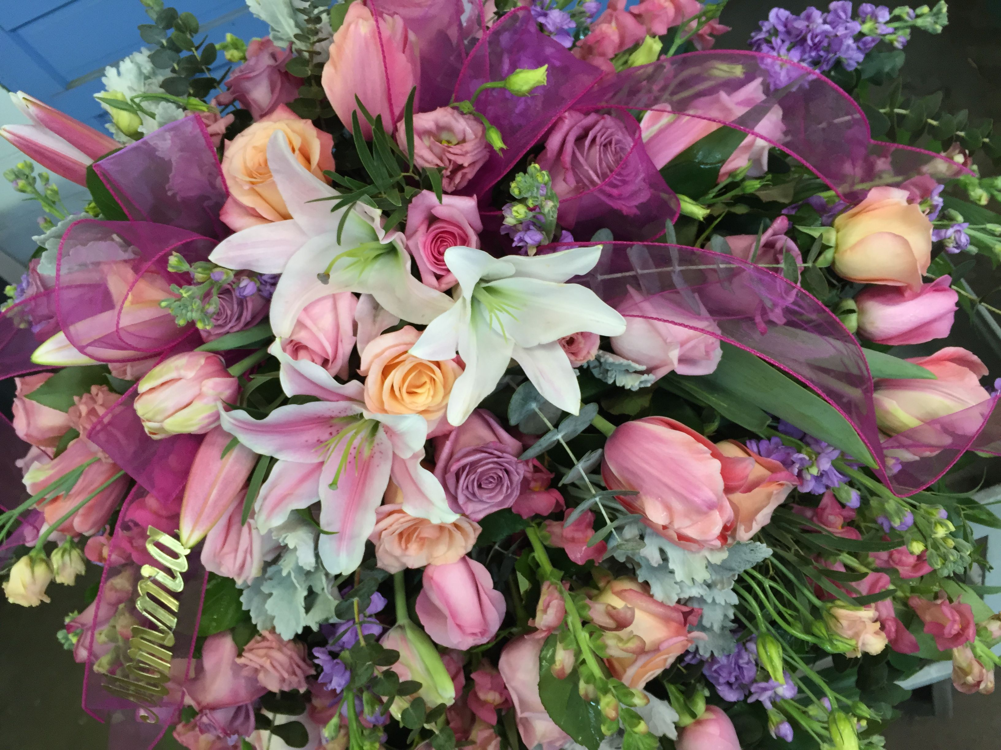 Flowers by jackson florist covington ky sympathy funeral easel order flowers online with same day delivery from jackson florist inc fresh flowers and hand delivered right to your door in covington and surrounding izmirmasajfo