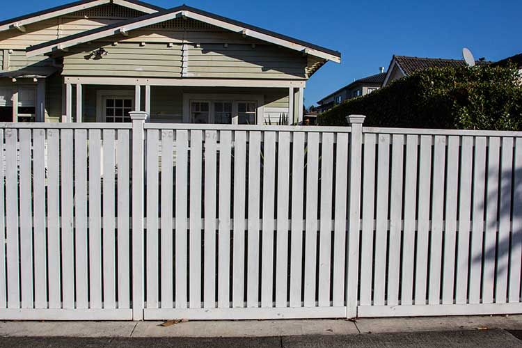 Wooden Timber Flat Top Picket Fence Built By Auckland Fences