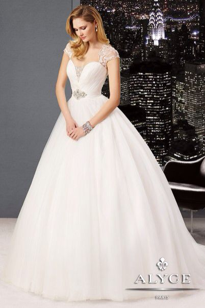 Claudine for Alyce Paris Wedding Dress Style #7988