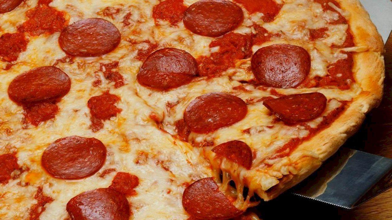 طريقة عمل صلصة البيتزا الإيطالية Pizza Dough California Pizza Healthy Pizza Dough