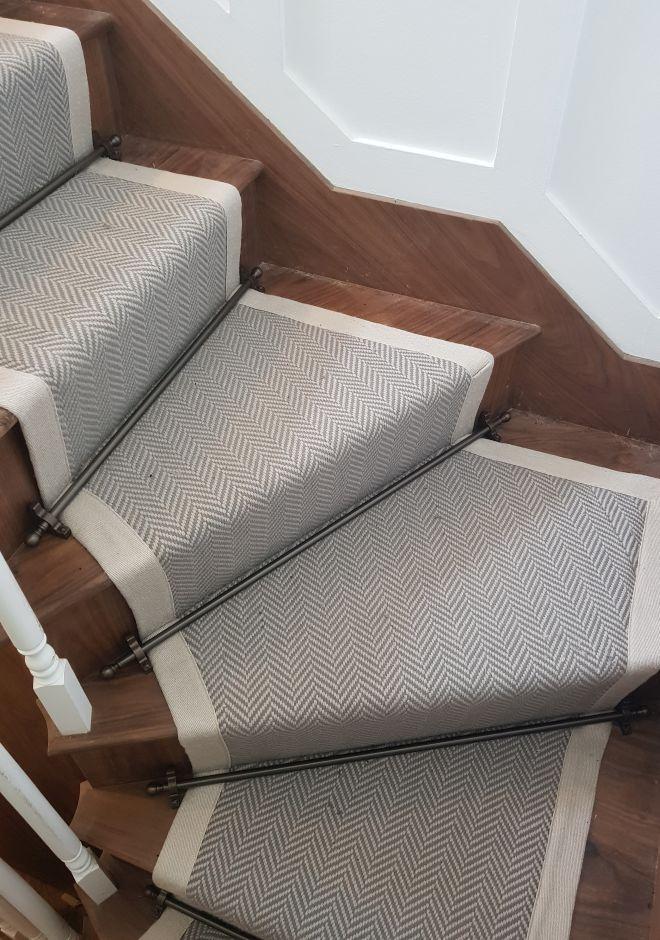 Best Herringbone Flatweave Lt Grey Carpet Stairs Stair 640 x 480
