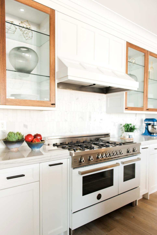 Contemporary white kitchen with white range i like the whitewood
